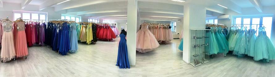 52f7b001f94b 2. patro - Svatební šaty 1. patro - Společenské šaty Přízemí - Pánské obleky